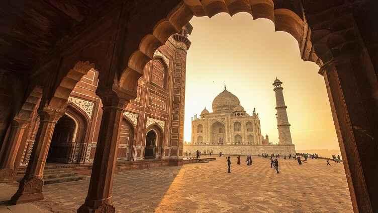 hindistani-kesfet-tac-mahalde-gun-batimi
